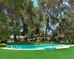 SmokeTree Resort and Bungalows
