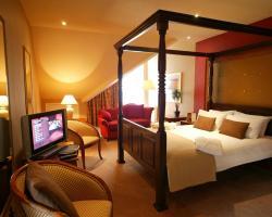 Thatcher's Hotel