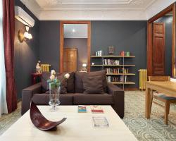Fewdays Barcelona Apartments