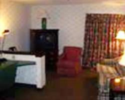 Budget Inn and Suites - Des Moines