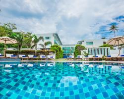 KC Beach Club & Pool Villas