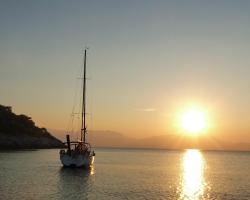 Dockside Yacht Lodging