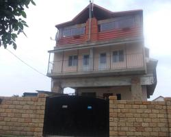 Guest House on Shkolynaya