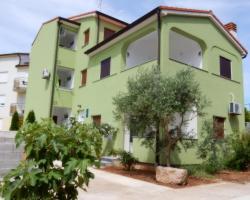 Apartments Ina