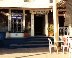 Hotel Flores de Peten y Restaurante