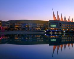 Dragon Hotel And Resort