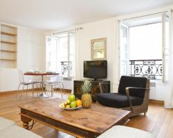 Private Apartment - Rue Cler - Eiffel Tower