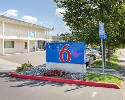 Motel 6 Tacoma South