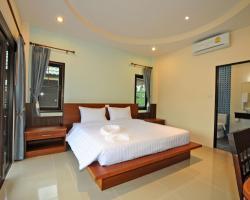 Phatcharee Resort