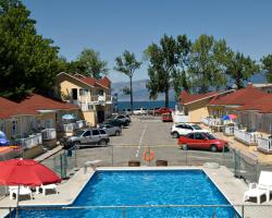 Crown Resort Motel