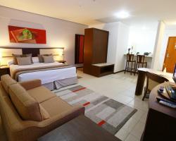 Mondrian Suite Hotel
