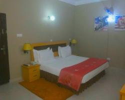 Auris Court Suites and Apartment