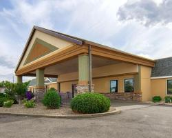Norwood Inn and Suites Mankato