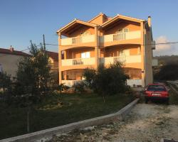 Apartments Mladenka