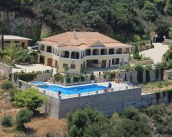 Villa Akros and Suites
