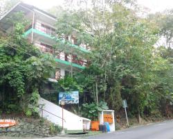 Pura Vida Hostel - Manuel Antonio