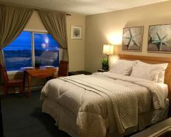 The Tradewinds Condo/Hotel