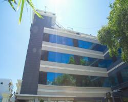 OYO 1584 RKN Hotel