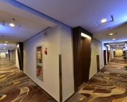 Super 8 Hotel Ningbo Zhaohui
