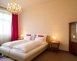 Fink Low Budget Rooms