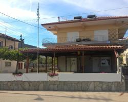 Gkoloi Studios & Apartments