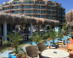 Briz Beach Apartments