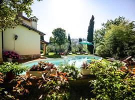 Villa Louise, Uncinano (Roselli yakınında)