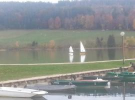 L'Ecrin du Lac, Saint-Point-Lac
