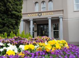 Anner Hotel, Тёрлс
