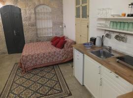 Central old stone Jerusalem apartment