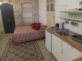 Central old stone Jerusalem apartment