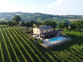 Villa le Vigne, Loro Piceno (Massa Fermana yakınında)