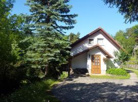 """Ferienhaus """"Am Schleifenbach"""", Saalfeld (Saalfelder Höhe yakınında)"""