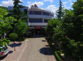 """""""Sirena"""" Hotel, Pogradec (Tushemisht yakınında)"""
