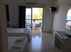 Pyrgiana Beach Hotel, Kato Pyrgos (Potamos tou Kambou yakınında)