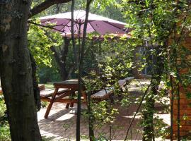 Meerkatplaats Guesthouse and B&B, Muldersdrift