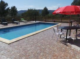 Hotel Restaurant Cau Blanch, Useras (Els Ibarsos yakınında)