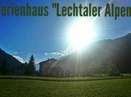 Ferienhaus Lechtaler Alpen, Bach (Unterstockach yakınında)