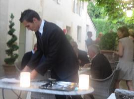 Hotel Restaurant Chartron, Saint-Donat-sur-l'Herbasse (рядом с городом Bren)