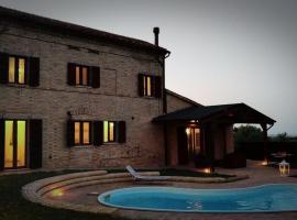 Villa In Collina, Loro Piceno (Massa Fermana yakınında)