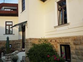 Stilvolles Wohnen in Jahrhundertwendevilla, 푸르커스도르프