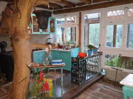 Room in a unique natural home-Earthship-Istria, Lupoglav
