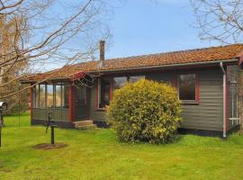 Two-Bedroom Holiday Home in Mern, Mern (Langebæk yakınında)