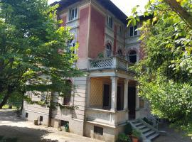 Appartement dans villa historique