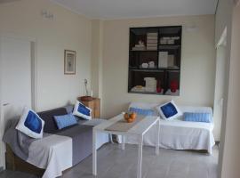 Athenian Riviera Apartment, Λαγονήσι