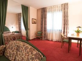 Hotel Tessarin, Taglio di Po