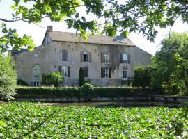 Chambres d'hôtes du Moulin de la Chaussee, Saint-Denis-d'Orques (рядом с городом Cossé-en-Champagne)