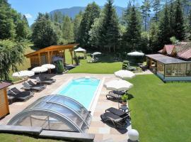 Gästehaus Almrausch, Ferienanlage mit Pool, Nassereith