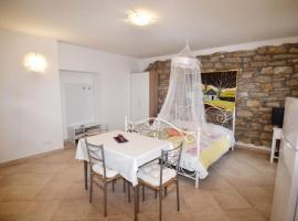 Studio Apartments Villa Violeta, Krmed