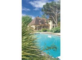 Four-Bedroom Holiday Home in St. Laurent des Vignes, Nebout (Near Prigonrieux)